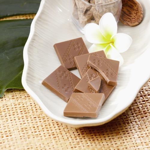 〈ロイズ石垣島〉黒糖チョコレート